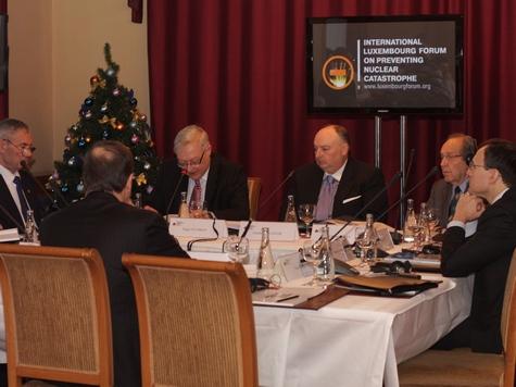 Эксперты обсудили в Москве проблемы ядерного разоружения