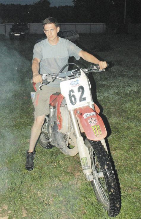 Мотоциклист убил себя и двоих пешеходов