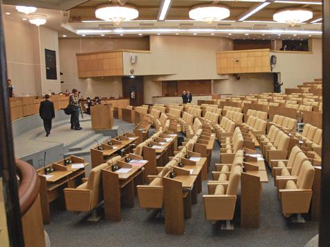 Комитеты делят со скандалом