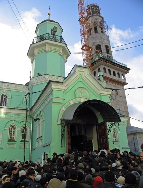 Соборную пришлось снести, потому что нигде в Москве не дают построить новую