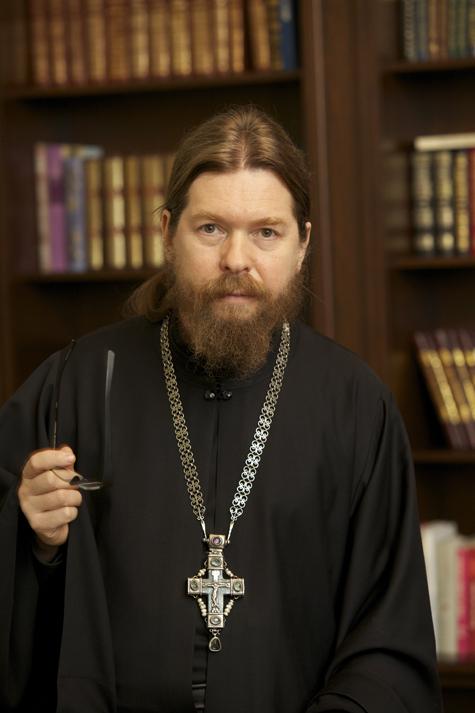 Архимандрит Тихон высказался от имени православных по делу Pussy Riot