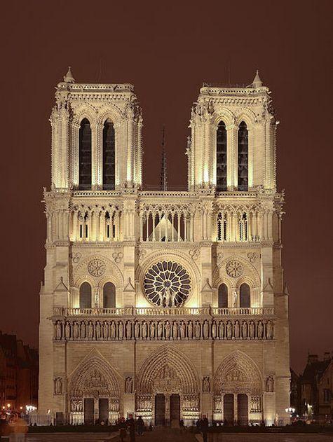 Нотр-Дам поменял голос: в соборе звонят новые колокола