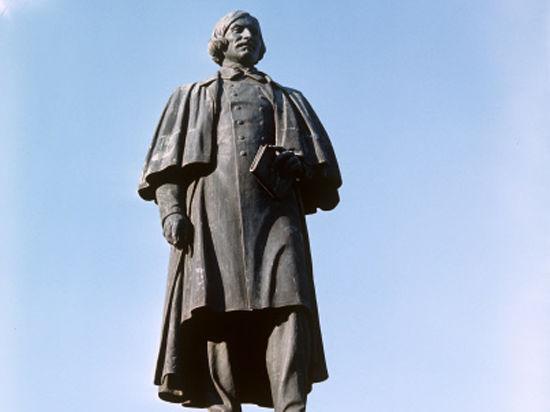 Памятник Гоголю уберут с Никитского бульвара