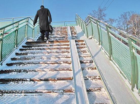 В поселке Удельная Раменского района закрыли все наземные пешеходные переходы через железную дорогу