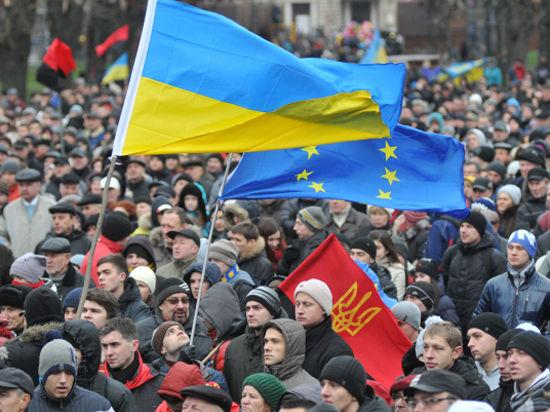 На Украину требуют ввести российские и американские войска