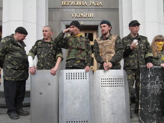 Штурм Рады в Киеве готовил гражданин России с битой и раздвижной лестницей?