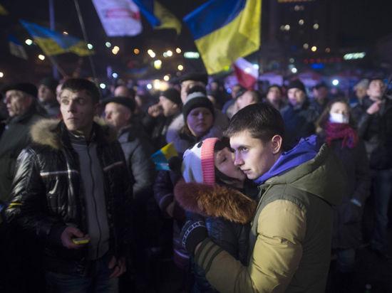 Евромайдан отметил Рождество скутьей ишампанским
