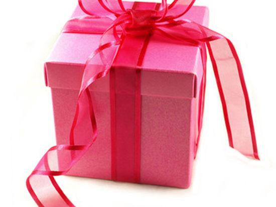 Подарок в День Святого Валентина: как выбрать и как поздравить любимую?