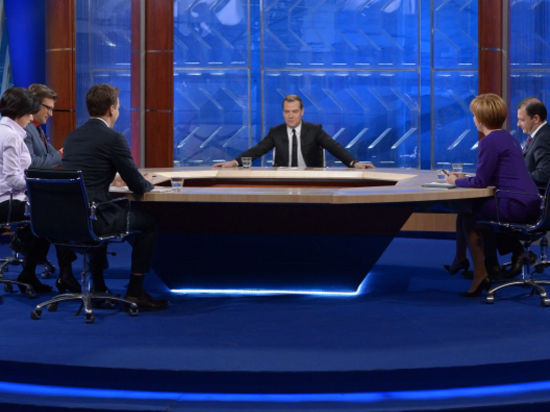 Ржавая вода Путина и Медведева: премьер становится похожим на Горбачева