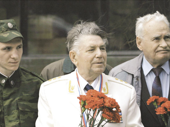 Экс-генпрокурор СССР Александр СУХАРЕВ рассказал, как Щербицкий пытался задобрить Лигачева шмотками