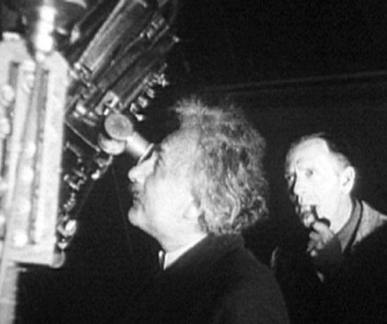 В неизвестной рукописи Эйнштейна описана альтернатива теории Большого взрыва