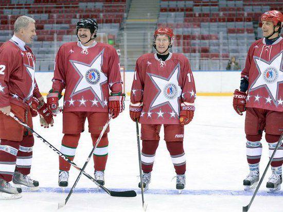 Путин и Лукашенко сыграли в хоккей в Сочи