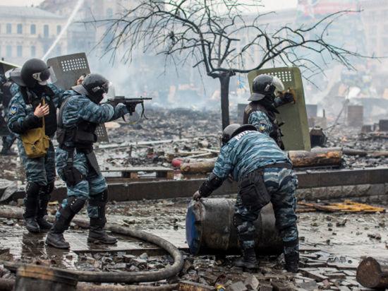 Снайпер на Майдане расстрелял 20 милиционеров
