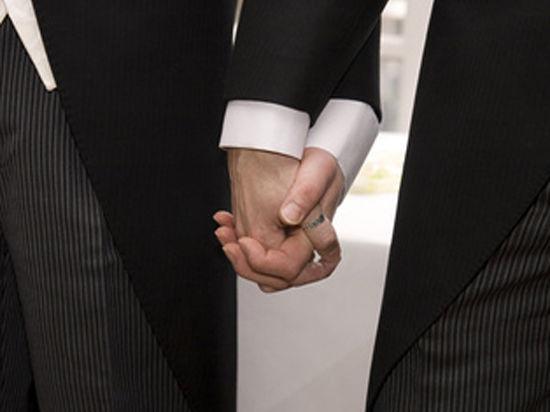 Французские священники приехали в Россию делиться опытом борьбы против геев