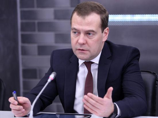 Медведев раскритиковал Кавказ за ворованный газ
