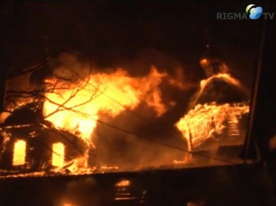 В Хабаровске сожгли храм Александра Невского, а меценат, его строивший, убит