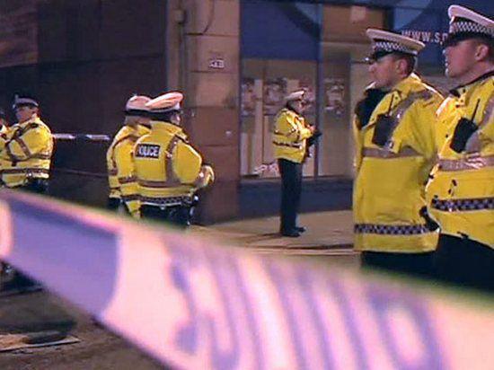 Полицейский вертолет рухнул на шотландский паб