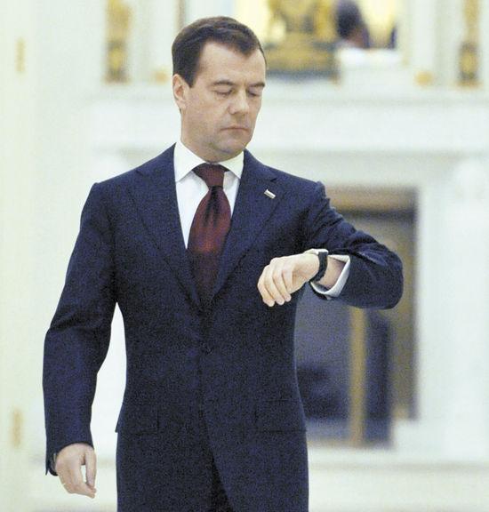 Депутаты взбунтовались против правительства: Дворкович опять тормозит закон о зимнем времени