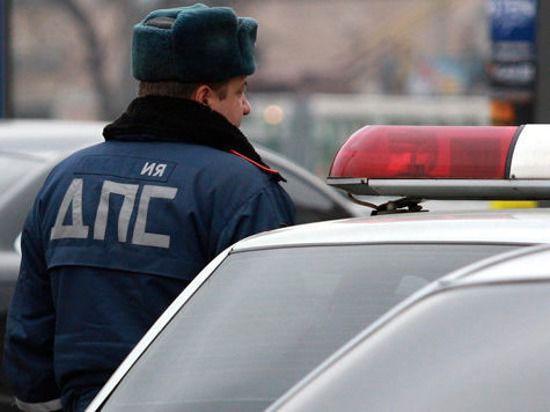 Столичный полицейский протаранил шесть машин