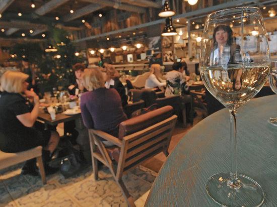 Президент Федерации рестораторов и отельеров РФ Игорь Бухаров: «Внезапные проверки нужны в армии, а не в кафе»