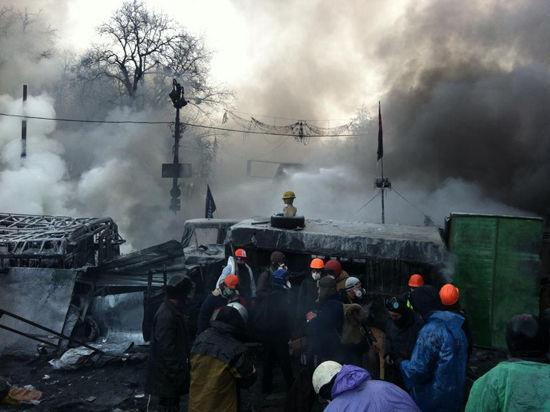 Самоубийцу, повесившегося на Майдане, долго не замечали — мешали лозунги