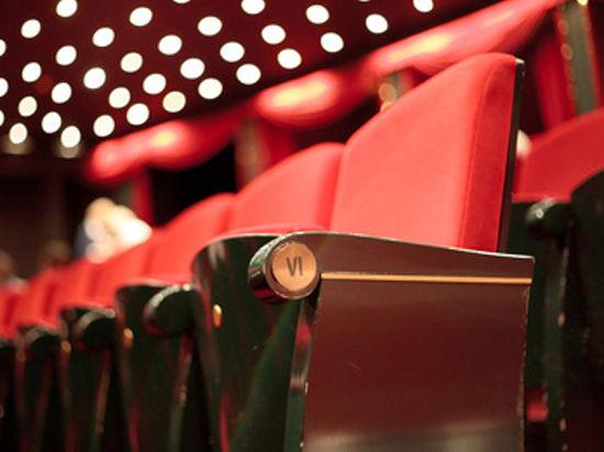 Пожарные станут ходить в театр, чтобы посмотреть на «доску позора»