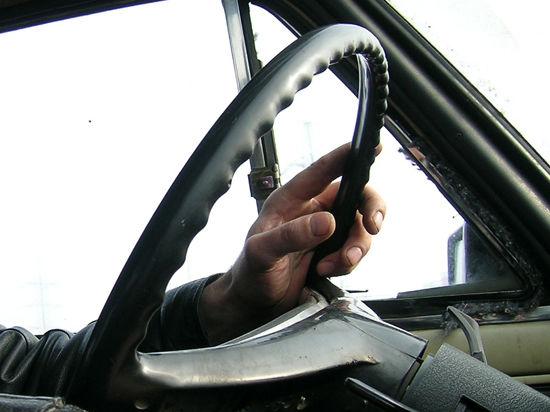 Новые водительские права начнут выдавать с 1 апреля