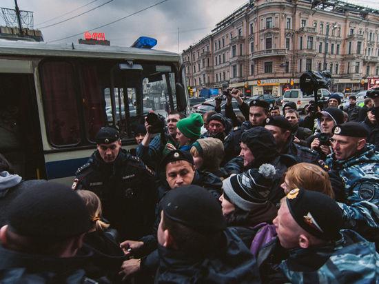 Акция «Стратегии 31»: будничное задержание Лимонова и 11 человек из группы поддержки