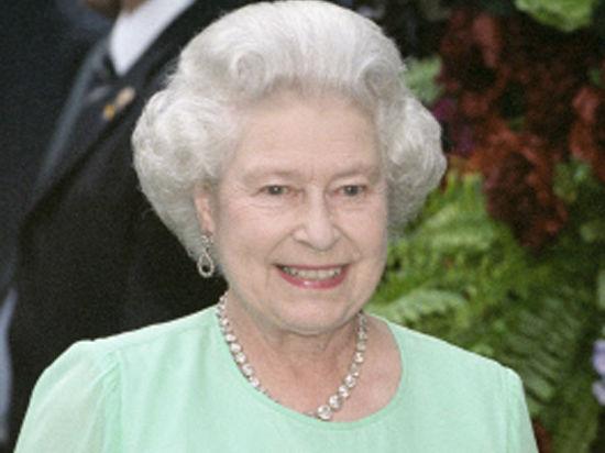 Королева Елизавета попросила Кейт соблюдать дресс-код