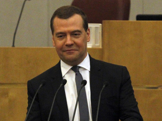 Медведев вручил премии журналистам