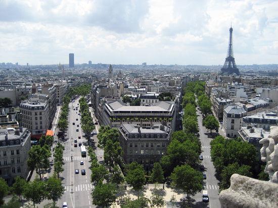 Женское лицо Парижа: мэром французской столицы избрана родившаяся в Испании социалистка и кавалер ордена Изабеллы Католички Анн Идальго