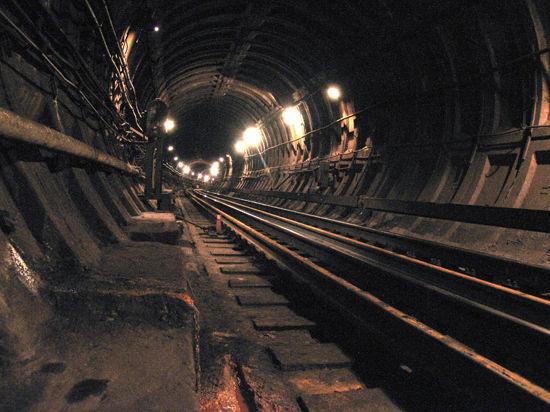 Пробившего тоннель метро подрядчика пообещали наказать