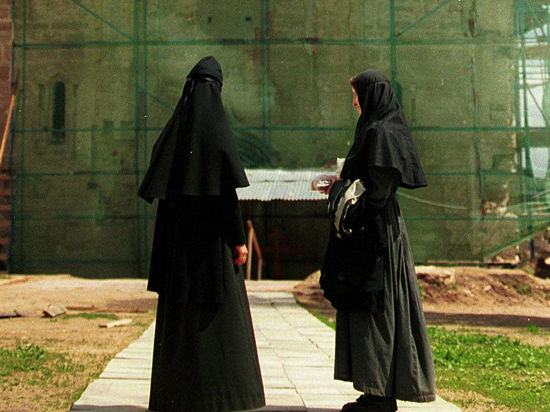 Монастырская жизнь переходит на виртуальный уровень