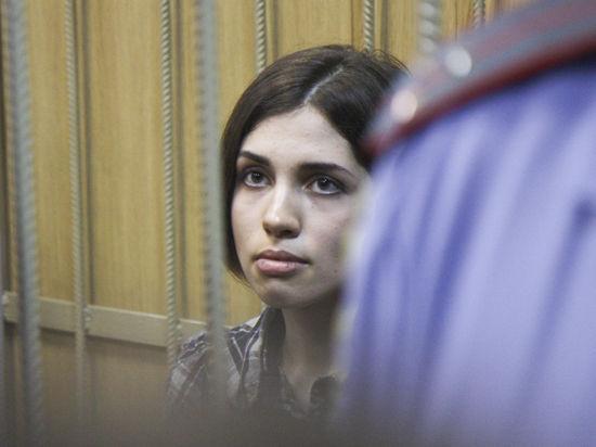 Адвокат Ирина Хрунова сообщила, что девушка еще не освобождена