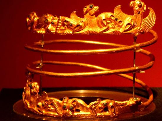 Крымское золото скифов останется в Голландии до осени, его судьбу решает МИД