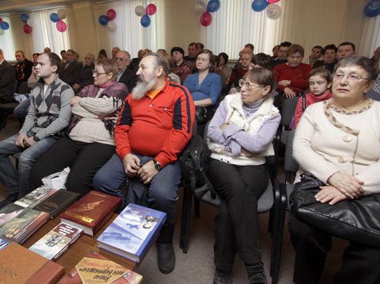 «Московский комсомолец» спешит поздравить ветеранов с грядущим праздником!