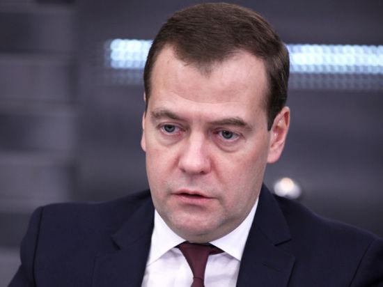 Медведев поручил железной дороге быть энергоэффективнее