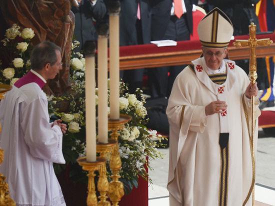 Папа Римский признался, что в молодости работал вышибалой в ночном клубе