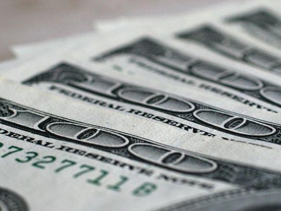 В России хотят ограничить хождение доллара. Скандал среди экономистов