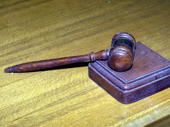 Суд осудил адвоката, который собиралась вознаградить УФМС