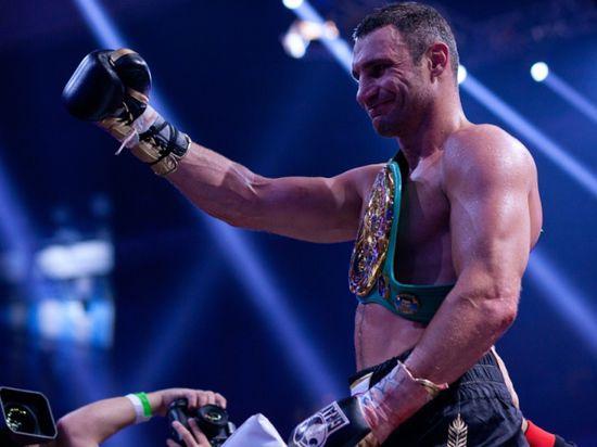 Украинский супертяжеловес вернул пояс чемпиона мира Всемирному боксерскому совету