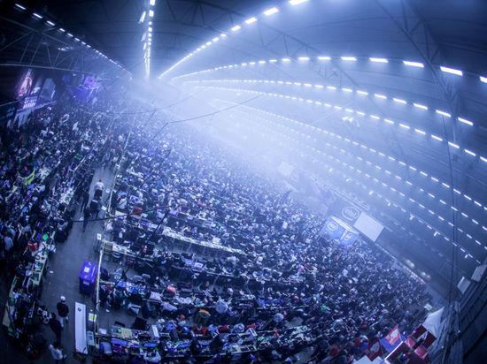 Геймеры всего мира собрались в Швеции ради крупнейшей LAN-вечеринки