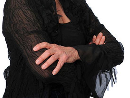 Старушка попросила подарить ей на столетие танец стриптизера