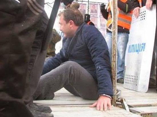 Волынского губернатора жесткого избили на глазах 30 тысяч митингующих