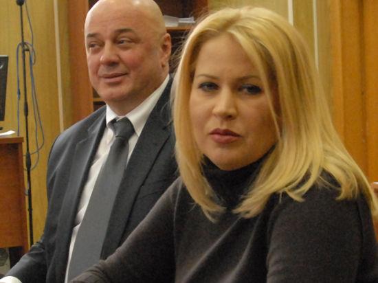 Евгения Васильева написала новые стихи в связи с допросом Сердюкова