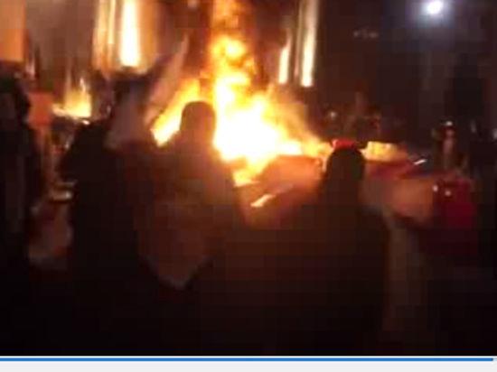 УДАР призывает власти наладить диалог с Востоком: штурм в Луганске и Донецке откладывается. Онлайн-трансляция