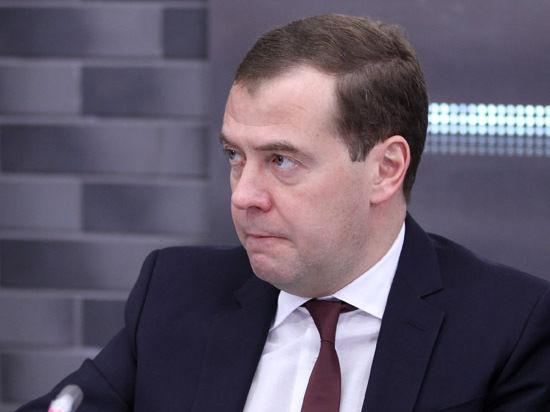 В воскресенье премьер встретился с однопартийцами и простыми москвичами
