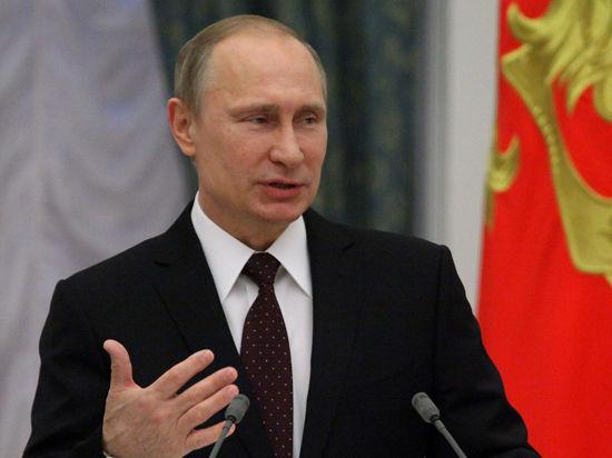 Путин, вручая госнаграды олимпийцам, поцеловал Сотникову. Не в первый раз