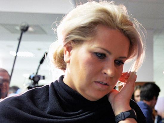 Васильевой запретили гулять и разговаривать с журналистами