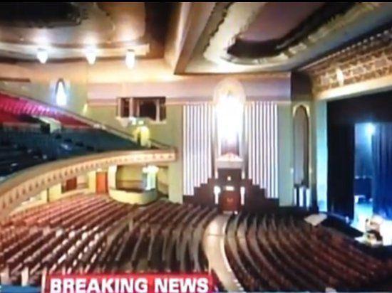 В центре Лондона на головы зрителей мюзикла рухнул потолок с люстрой